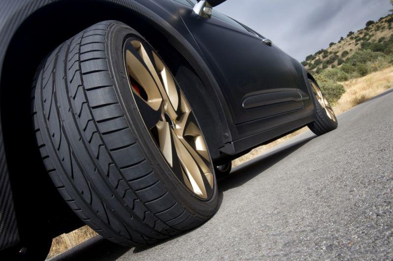 Lakukan 5 Tips Ini Agar Ban Mobilmu Tahan Lama!