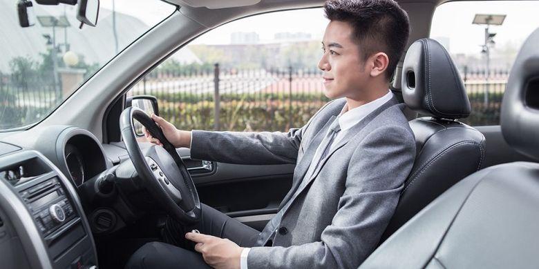 Tips Mengemudi Mobil Jarak Jauh dengan Nyaman dan Aman