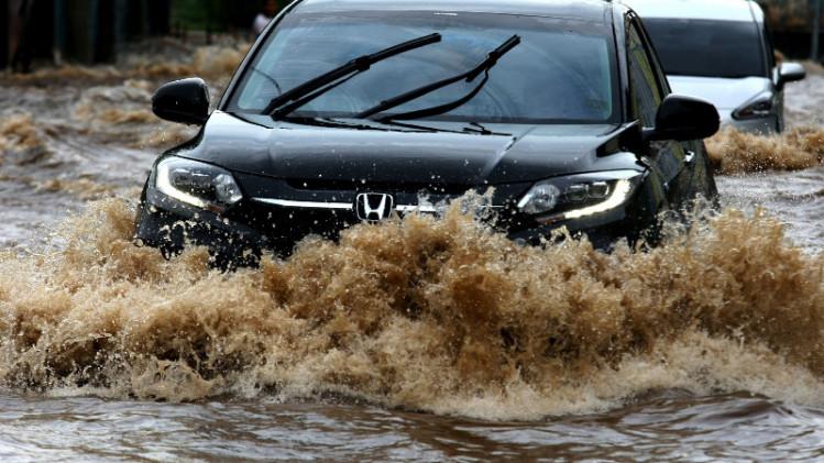 Pertolongan Pertama Usai Mobil Terendam Banjir