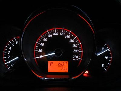 Cara Mengecek Keaslian Odometer Mobil Bekas