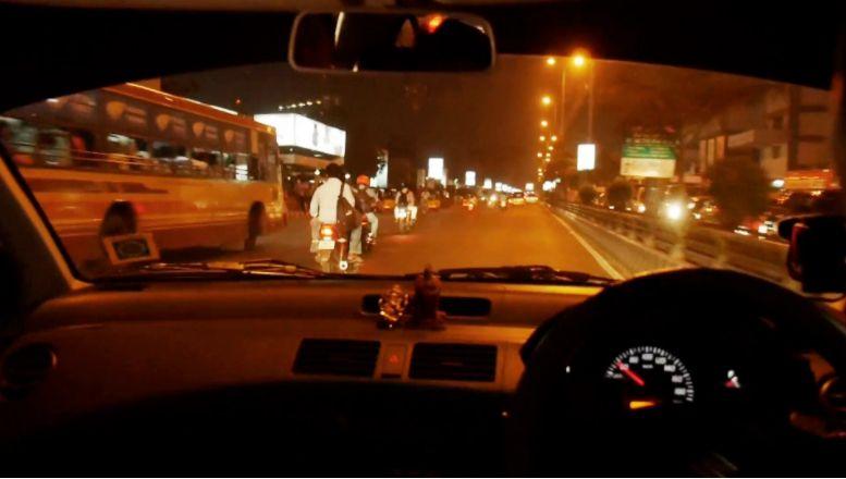 Naik Mobil di Malam Hari, Ini Tipsnya Biar Aman